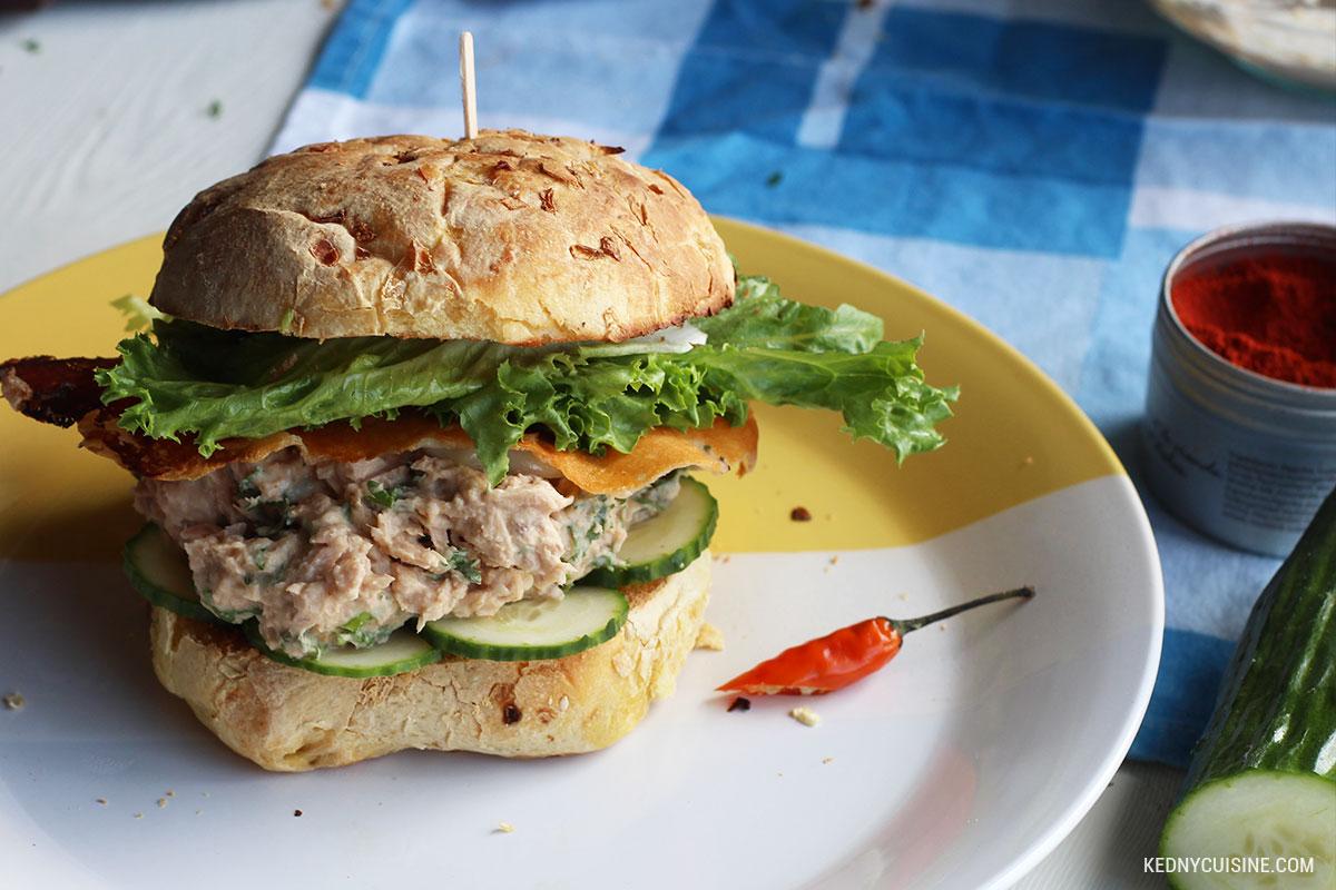 Sandwich au saumon piquant et fromage croustillant 5