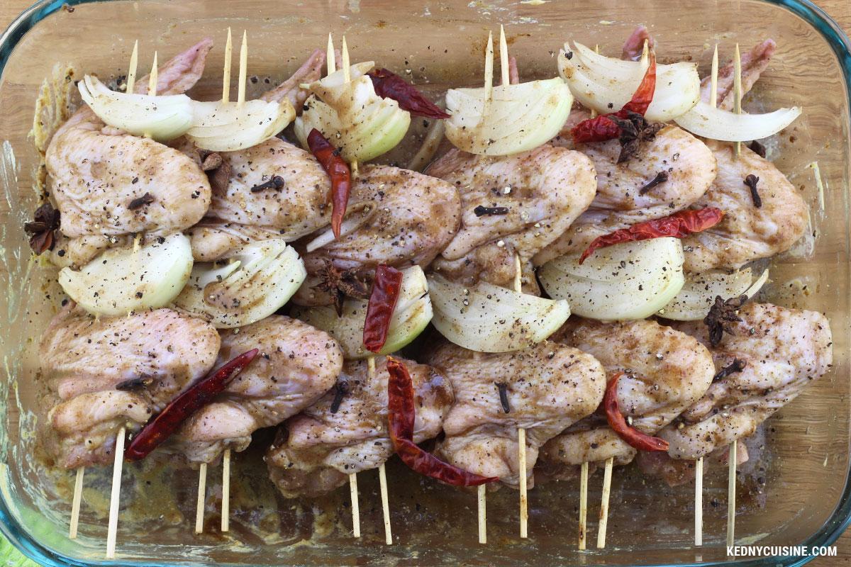 Ailes de poulet caramélisées aux épices en brochettes - KC 4