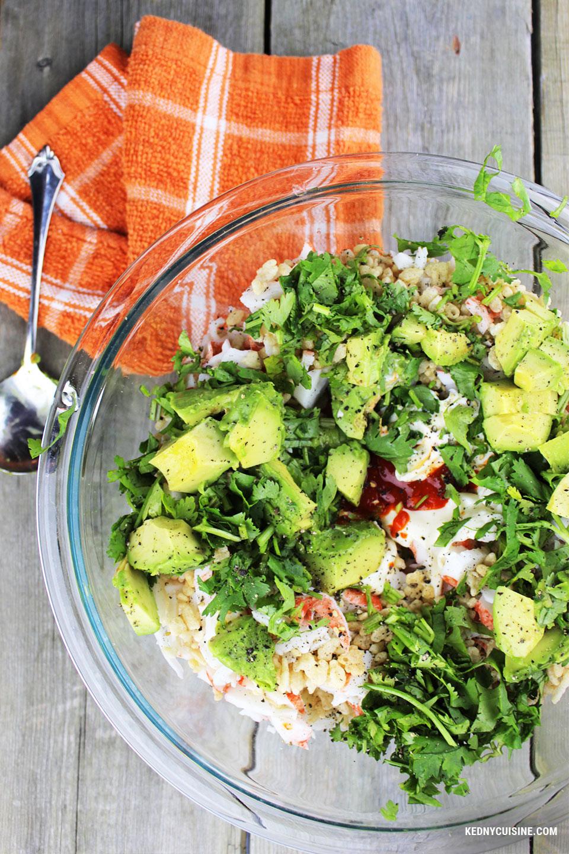 Salade de goberge épicée à saveur de crabe sur pita croustillante - 2