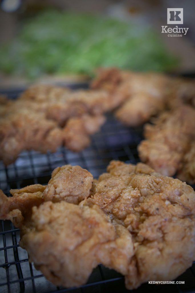 Poulet frit - Sandwich au poulet extra croustillant inspiré de Popeyes et Chick-fil-A - Kedny Cuisine
